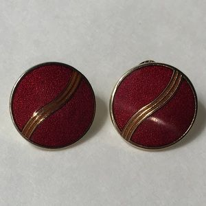Vintage 80s enamel Earrings!